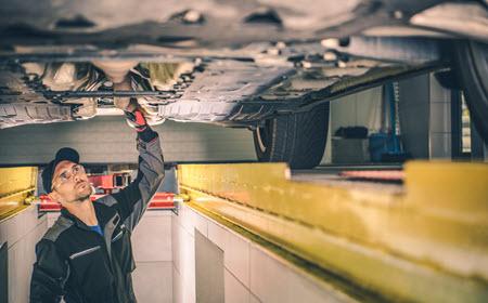 BMW Valve Cover Oil Leak Check